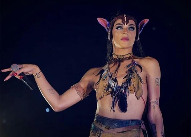 Pabllo Vittar se inspira em personagem de Avatar (Foto: Reprodução/Instagram)