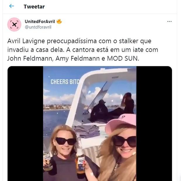 Post de alerta sobre invasão à mansão de Avril Lavigne (Foto: Reprodução/Twitter)