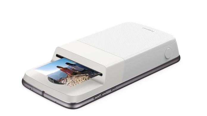 Moto Z ganha acessório da Polaroid que imprime fotos   Tecnologia   G1 a203157f69