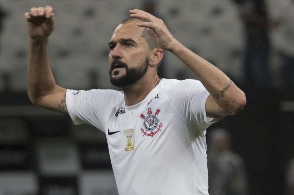 ad13428b14 Corinthians decide não renovar com Danilo e veterano deixará o clube