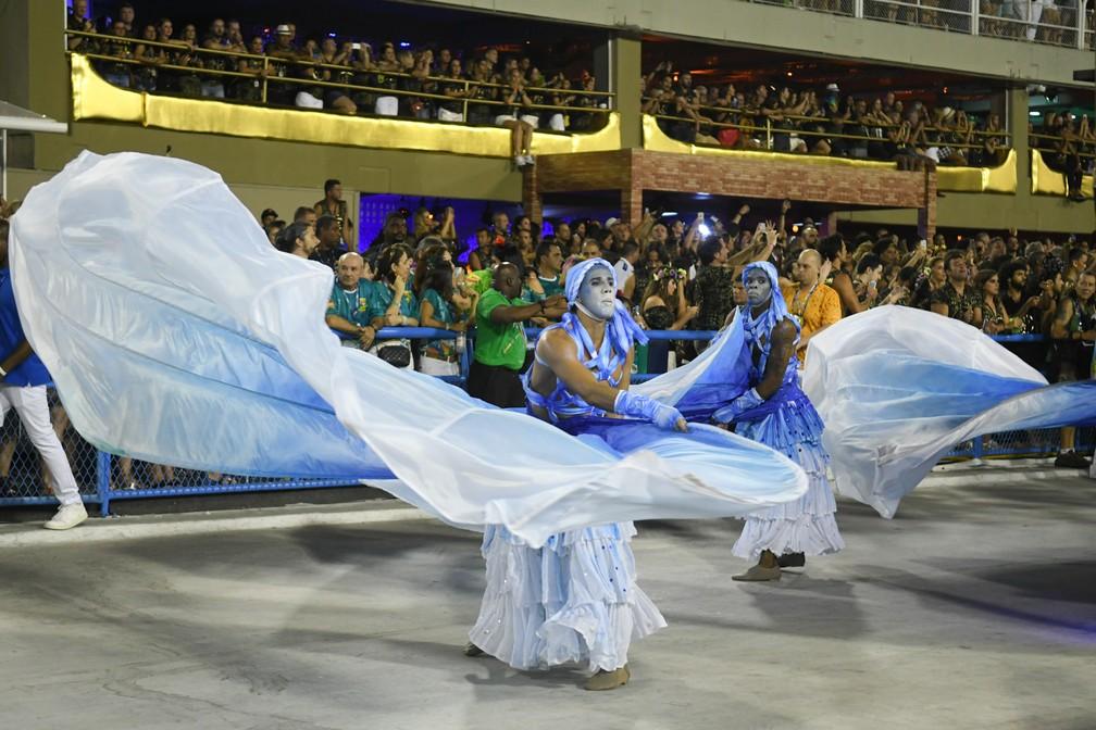 Azul e branco, cores da Portela, dominam desfile da escola (Foto: Alexandre Durão/G1)