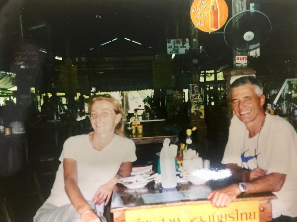 Após o fim da missão no Timor-Leste, Carolina e Sergio tiraram férias em viagem pela Ásia. Lá, assistiram jogos da Copa. Na imagem, Chiang Rai, na Tailândia — Foto: Arquivo pessoal