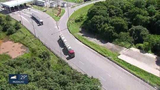 Avenida de acesso ao Porto de Suape é liberada e caminhões voltam a circular