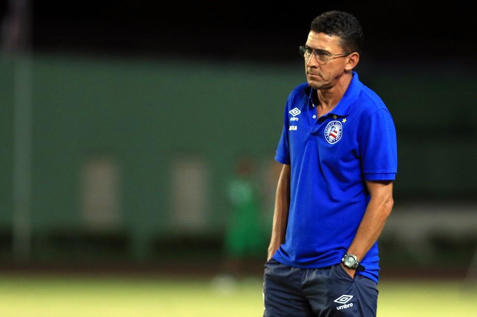 ... Aroldo Moreira deixa o comando do sub-20 do Bahia — Foto  Felipe  Oliveira 30498919f9024