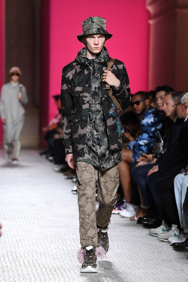Militarismo soft do Valentino (Foto: Getty Images)