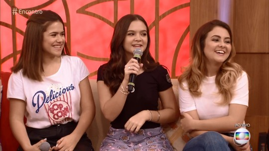 Maisa, Mel Maia e Klara Castanho participam do 'Encontro' para divulgar filme e fãs comemoram