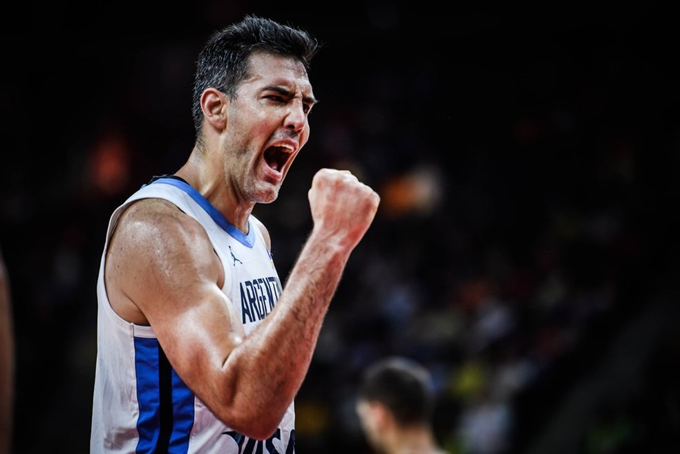 Luis Scola foi o cestinha do jogo, com 20 pontos — Foto: Divulgação/FIBA