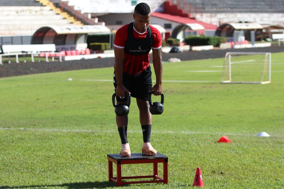 Botafogo-SP treina fisicamente apenas por enquanto  — Foto: José Bazzo/Agência Botafogo