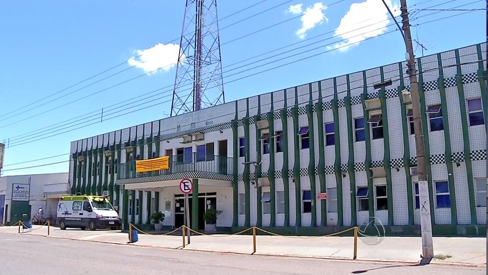Hospital Municipal de Barra do Bugres foi fechado para reforma — Foto: Reprodução/ TVCA