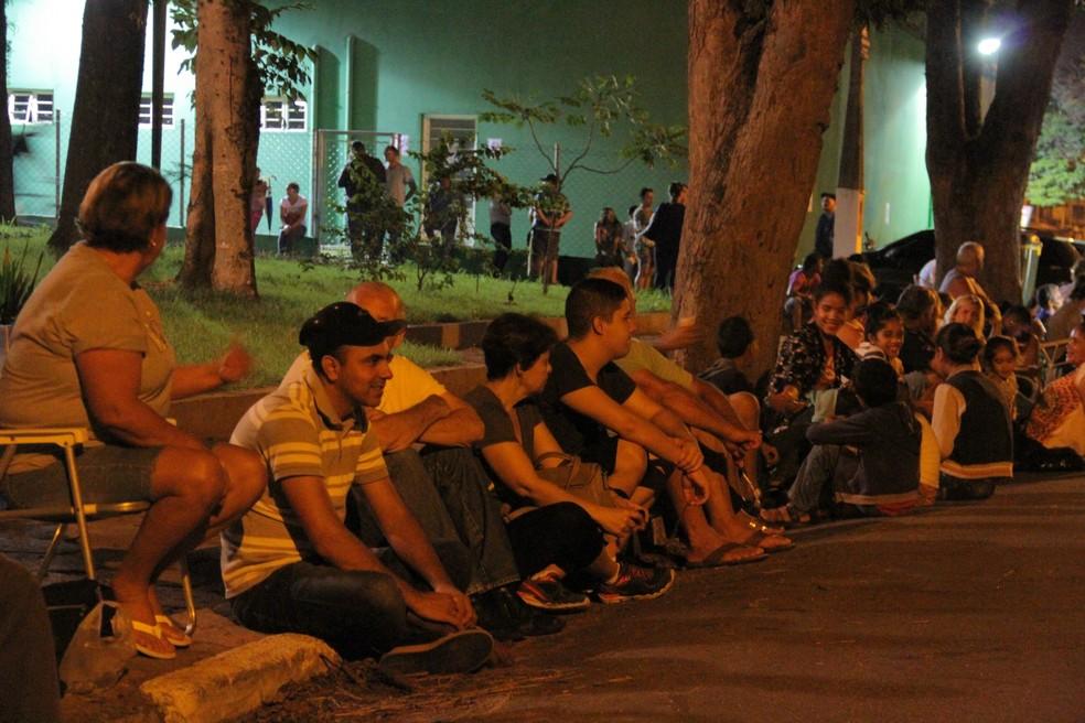 Jacareí, no interior de São Paulo registra filas e tem recebido moradores de cidades vizinhas em vacinação contra febre amarela (Foto: Carlos Santos/ G1)