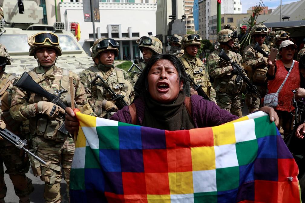Manifestantes protestam na Bolívia — Foto: Reuters/Henry Romero