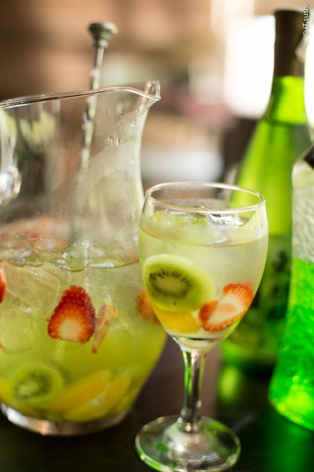 Sangria de saquê: veja como fazer drink refrescante e leve (Foto: Divulgação)