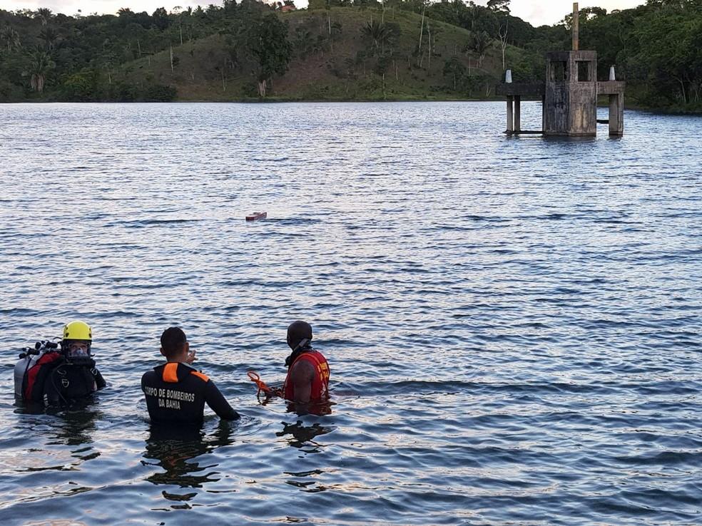 Bombeiros realizaram buscas na tarde deste domingo, na cidade de Simões Filho (Foto: Divulgação/Corpo de Bombeiros)