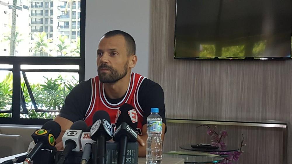 Cavalieri demonstra mágoa com dirigentes mas respeito pelo Fluminense — Ídolo ferido