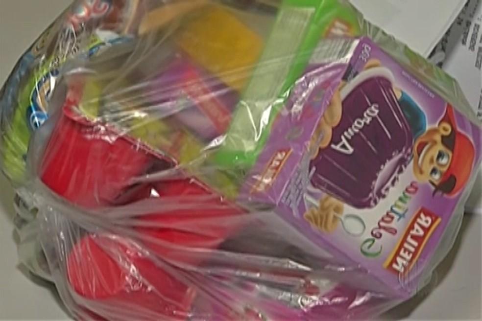 Para a polícia, homem usava doces para atrair crianças (Foto: Reprodução/TV Diário)