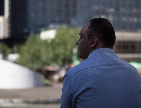 O servidor público Mário Magalhães acha que o impeachment trouxe mais dificuldades para sua vida (Foto: EMILY ALMEIDA/AGÊCIA O GLOBO)