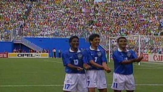 Há 24 anos, Brasil batia Holanda com gol de falta de Branco e ficava perto do tetra