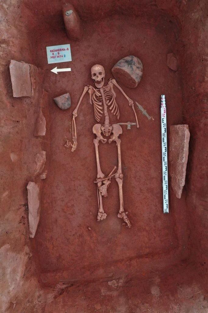 Túmulo de guerreiro encontrado na região (Foto: Novosibirsk State University)
