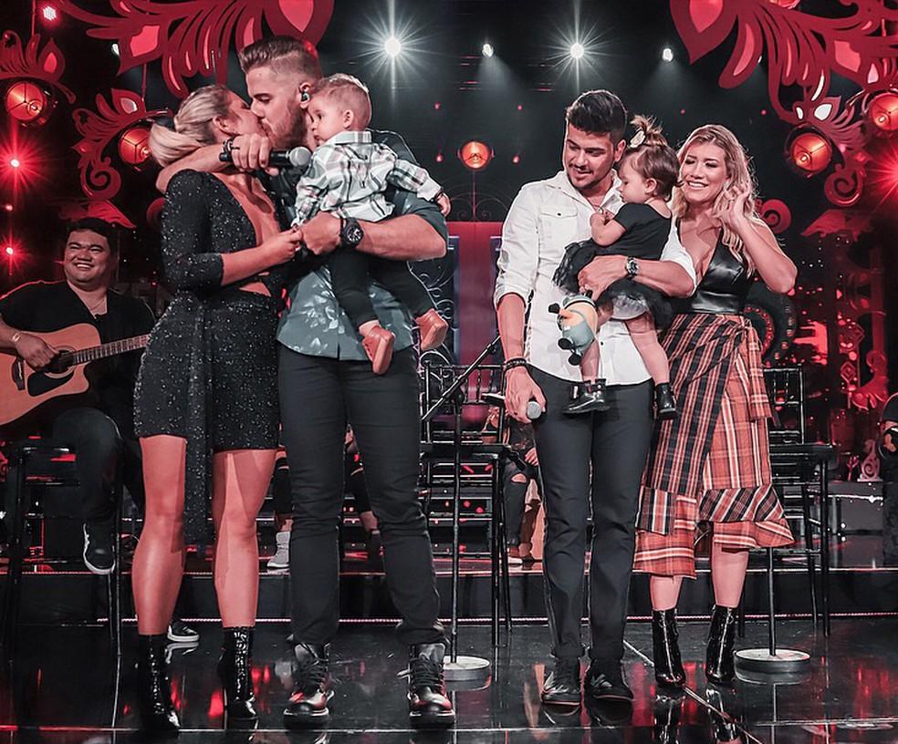 Zé Neto e Cristiano recebem as mulheres e os filhos no palco durante gravação de DVD em São Paulo (Foto: Allysson Moreno/Divulgação)