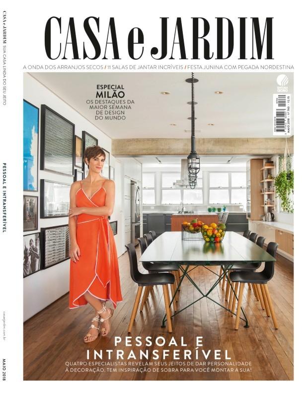 A arquiteta Maraí Valente em seu apartamento nos Jardins, São Paulo (Foto: Mayra Azzi / Editora Globo | Produção Bruna Pereira)
