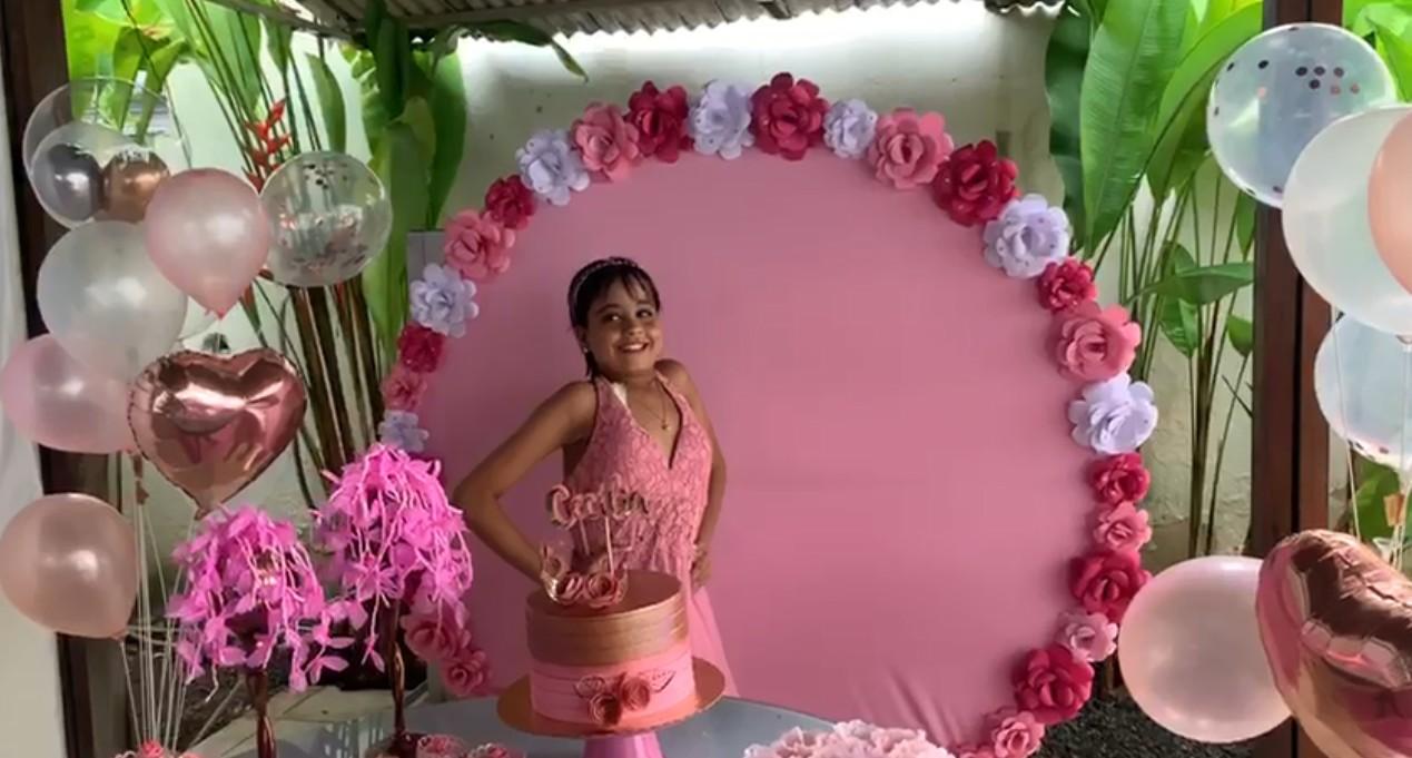 Paciente ganha festa de debutante em hospital no Recife onde faz tratamento com hemodiálise