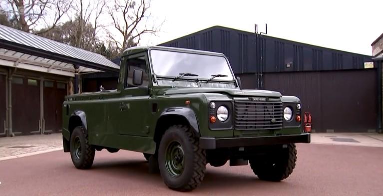 Έχουν εμφανιστεί φωτογραφίες ενός τροποποιημένου Land Rover που σχεδιάστηκε από τον Δούκα του Εδιμβούργου για να μεταφέρει το φέρετρο του.  (Φωτογραφία: Αναπαραγωγή)