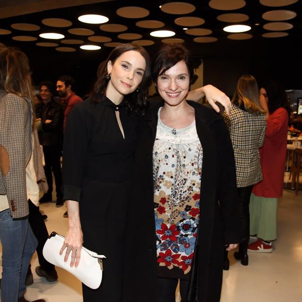 Débora Falabella e a irmã Cynthia Falabella (Foto: Marcos Ribas/Brazil News)
