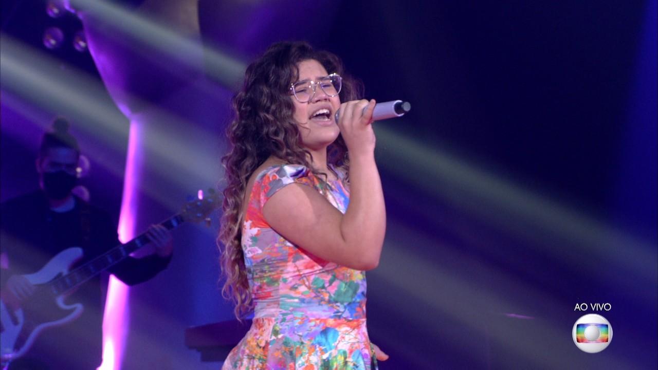 Maria Eduarda Ribeiro canta 'Coleção'