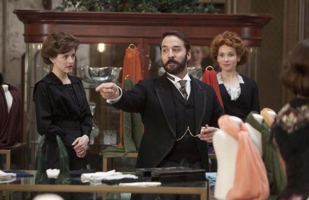 Cena de 'Mr Selfridge': série da ITV britânica está toda no iTunes (Foto: Divulgação)
