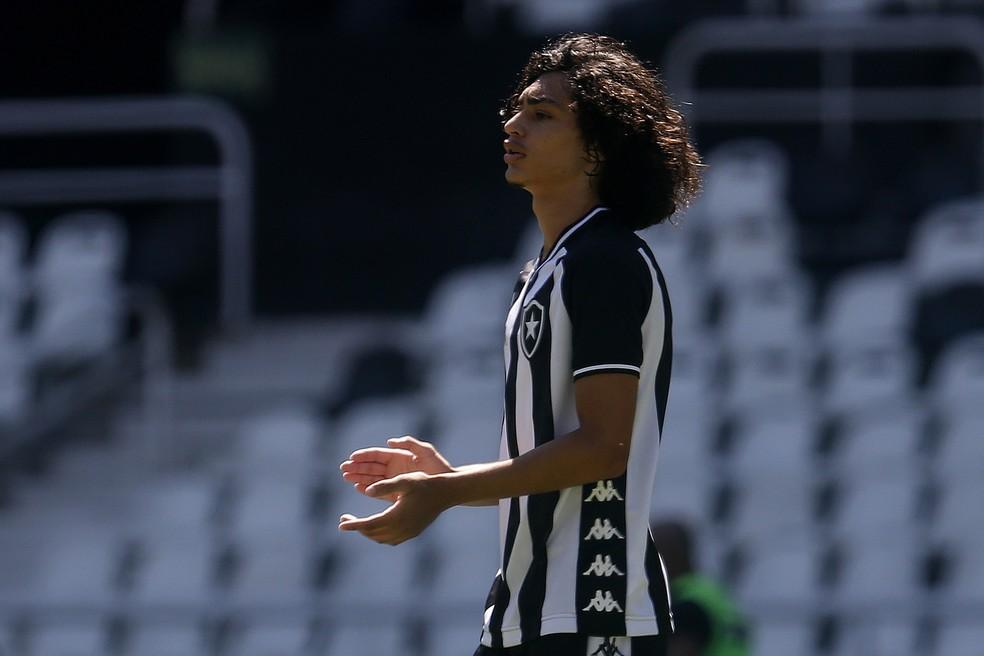 Matheus Nascimento atuou no amistoso da categoria Sub-17 contra o Boavista no dia da apresentação de Honda — Foto: Vitor Silva/Botafogo