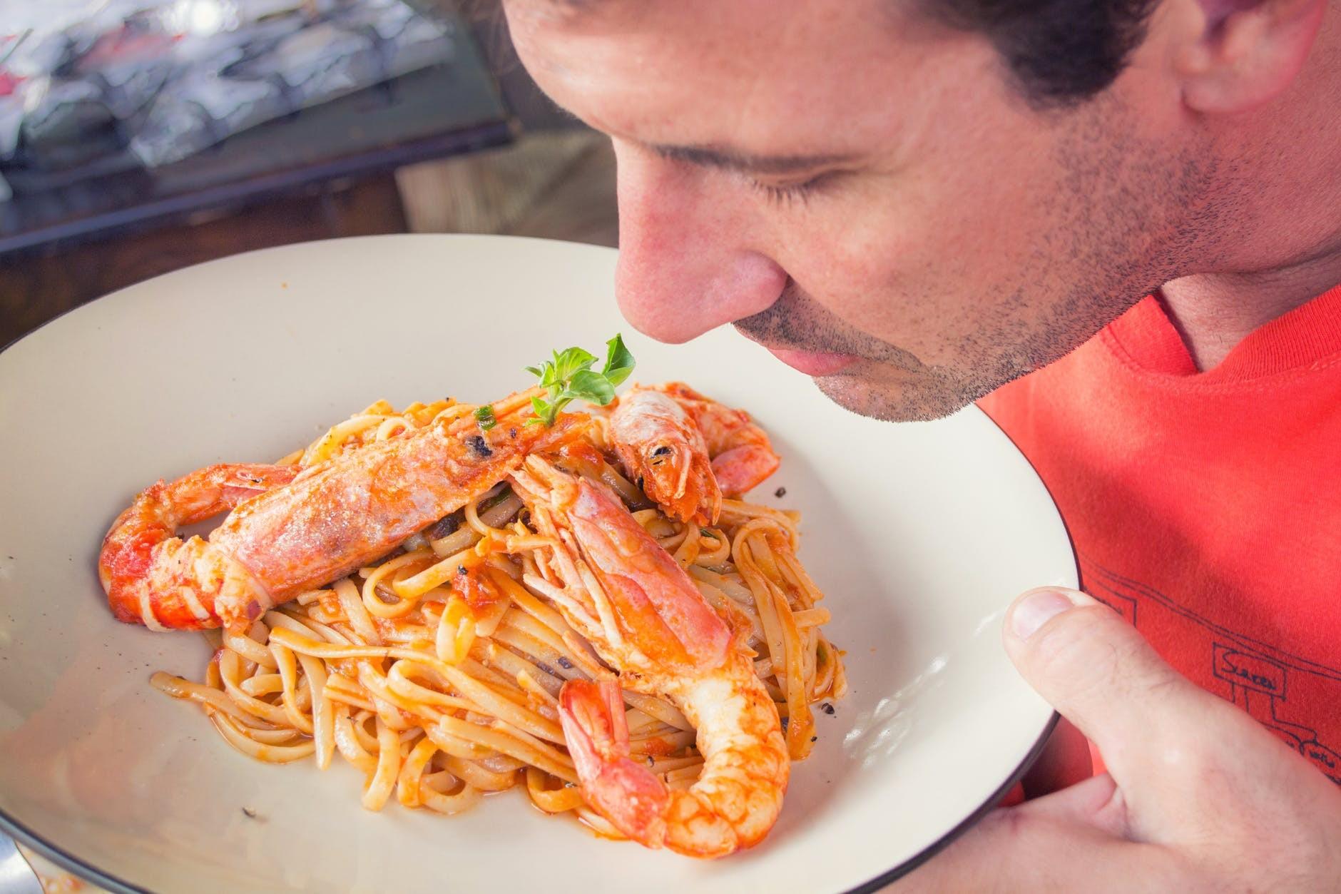 Cheiro de comida, assim qualquer outro tipo de cheiro, pode variar de pessoa para pessoa conforme a informação genética (Foto: Pexels)