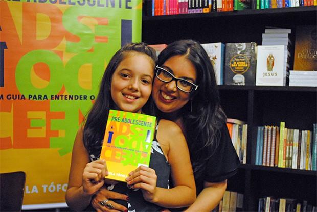 Daniela Tófoli com a filha, Helena (Foto: Divulgação)