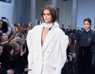 Semana de moda de Milão: mangas balonê viram protagonistas da temporada