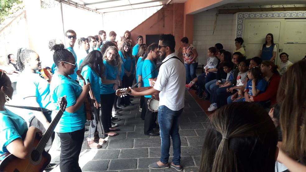 Coral é formado por pessoas com deficiencia  (Foto: Prefeitura de Petrópolis/ Divulgação )