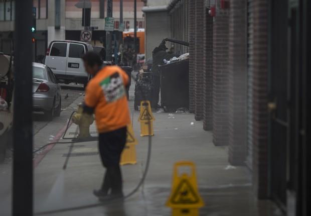 Limpeza de calçadas será reforçada com equipe específica para retirar as fezes das vias públicas em breve em São Francisco (Foto: David McNew/Getty Images)