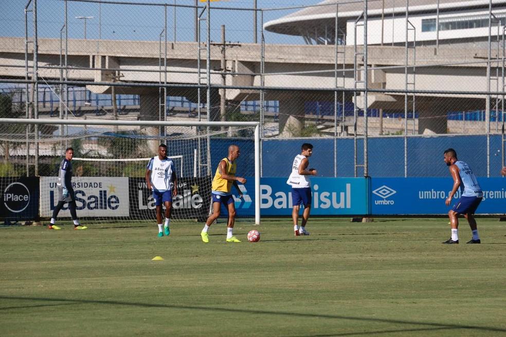 Tardelli em atividade com bola — Foto: Eduardo Moura