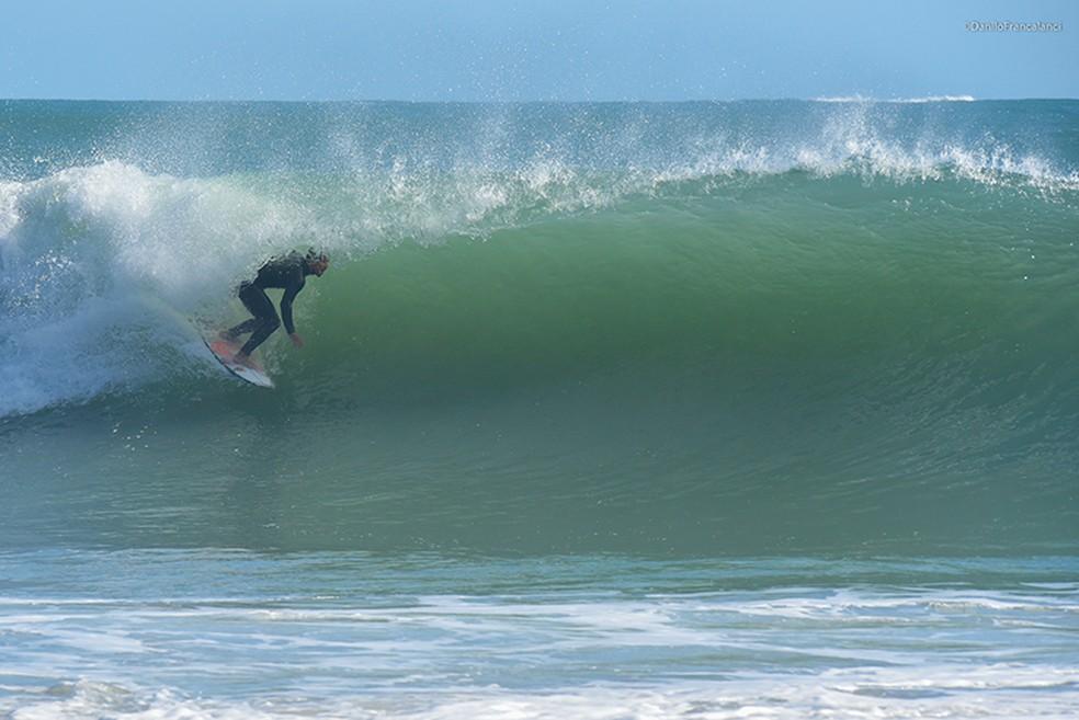 Medina — Foto: Gabriel Medina aproveitou a boa fase de ondas para manter os treinos em dia - Foto: Angelita Alves