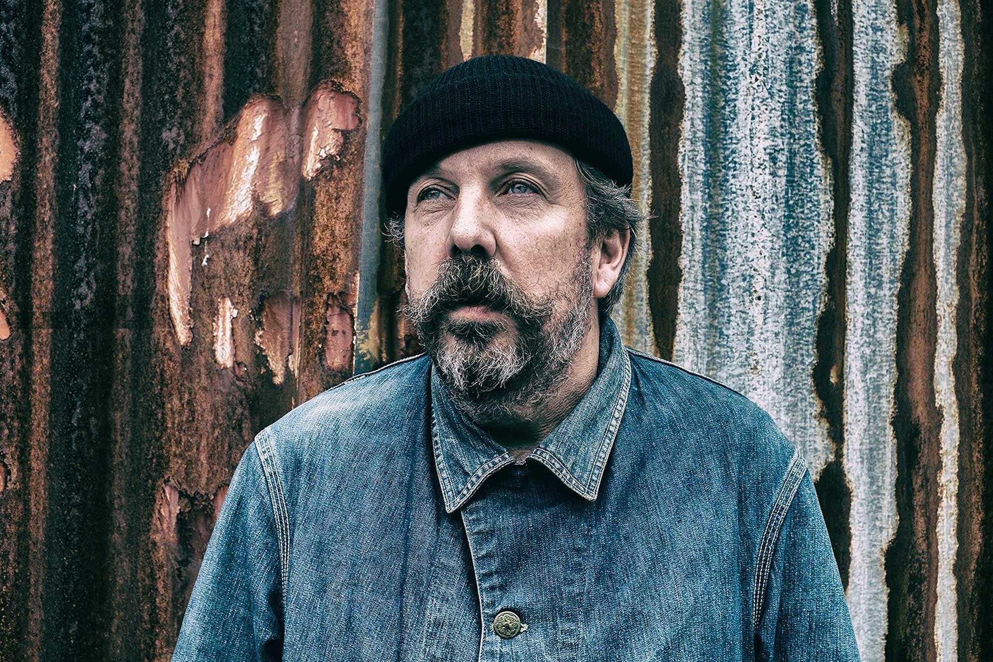 Andrew Weatherall, DJ e produtor inglês, morre aos 56 anos