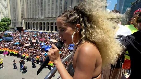 Anitta comanda Bloco das Poderosas no Centro do Rio
