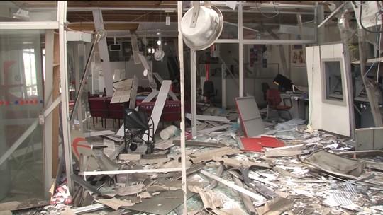 Grupo que explodiu 2 bancos e fez pacientes reféns em Ipirá não conseguiu arrombar cofres e fugiu sem dinheiro