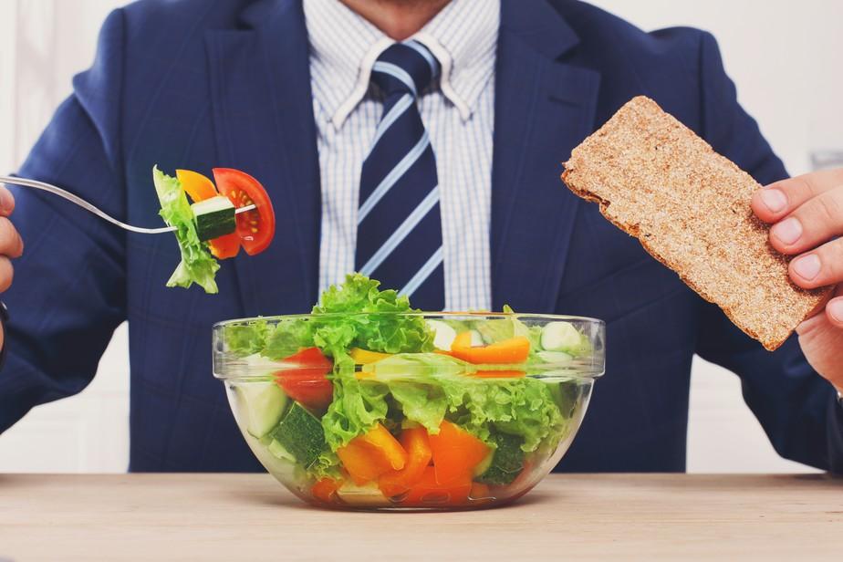 Nutricionista destaca 10 hábitos que ajudam na luta contra o sobrepeso