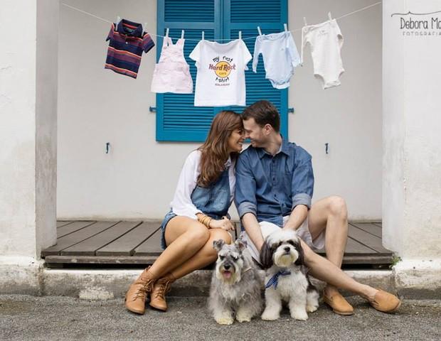 Josie e Giorgio fizeram um ensaio fotográfico para recepcionar o filho (Foto: Arquivo pessoal)