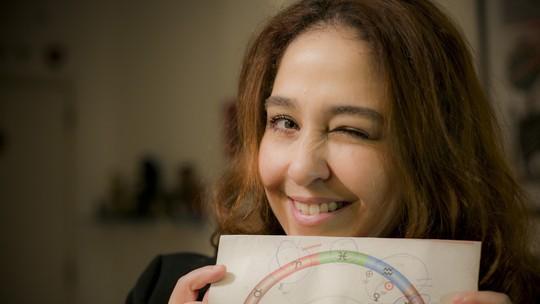 Debora Lamm fala da sua relação com a astrologia: 'Sou totalmente a louca dos signos'