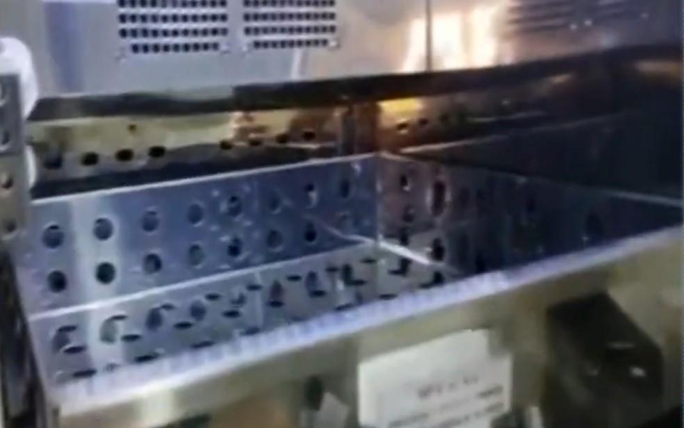 Refrigerador que apresentou problema em Paranaiguara — Foto: Reprodução/TV Anhanguera