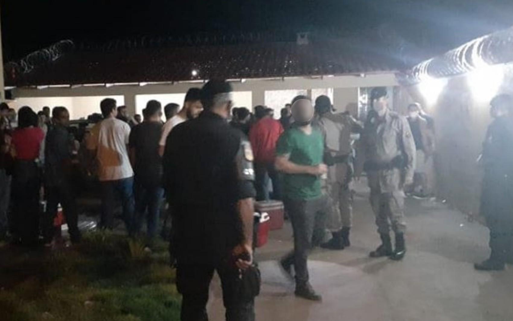 Mais de 150 pessoas são flagradas em festa em São Luís de Montes Belos, diz PM