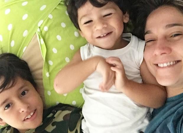 Fernanda Gentil com os filhos (Foto: Reprodução)
