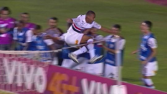 """Aranha explica falha no segundo gol do São Paulo: """"Eu quis ser mais esperto que ele"""""""