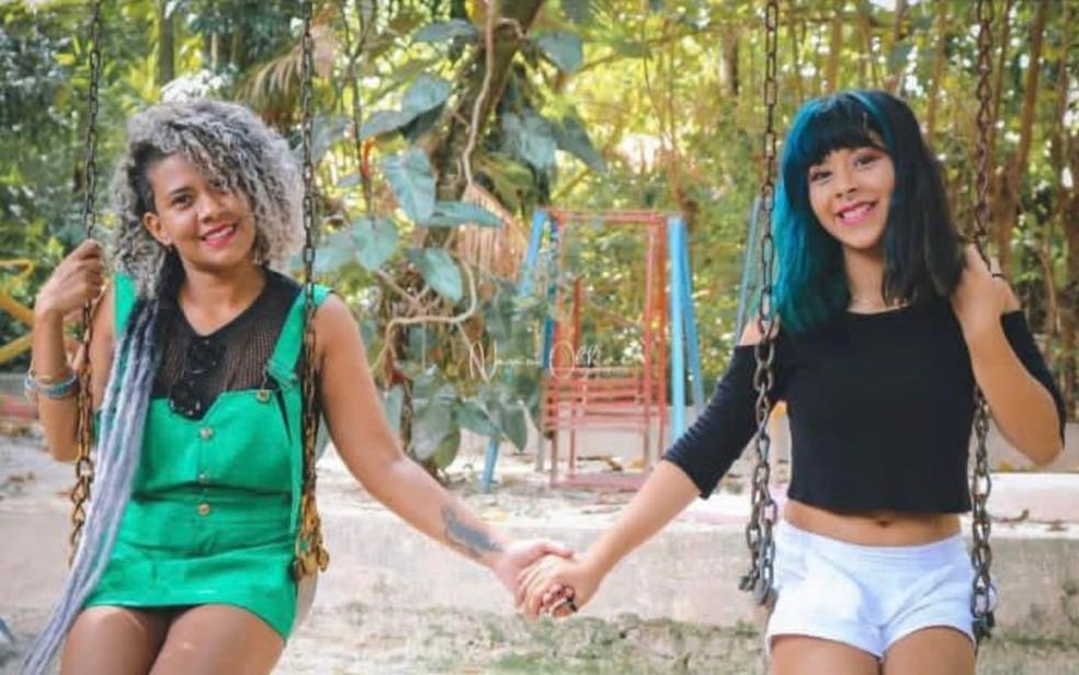 Eliane Laureano da Silva ao lado da filha que foi encontrada morta, em Goiânia — Foto: Arquivo pessoal/Eliane Laureano