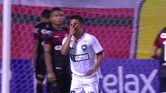 """""""Não pode jogar a culpa toda na zaga"""", diz Ramon após novo resultado ruim do Vitória"""