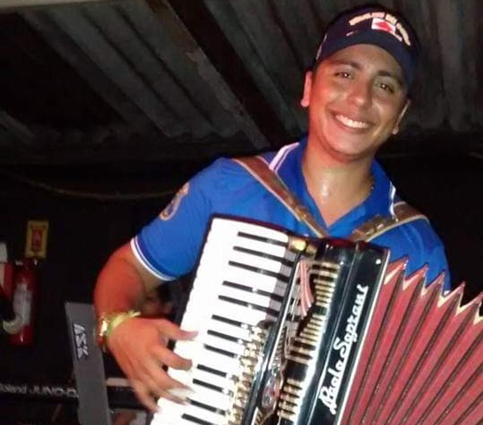 Sanfoneiro morreu ao tentar defender os amigos durante assalto em um bar em Fortaleza — Foto: Arquivo pessoal